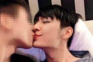 Nam diễn viên 'Thơ Ngây' bị tung ảnh nóng với người yêu đồng tính, lại còn cặp 3 người cùng lúc