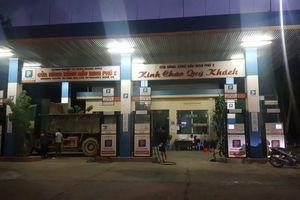 Nghệ An: Cửa hàng xăng dầu 'quên' giảm giá theo quy định