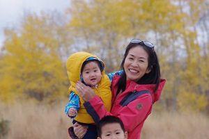 Lý do bất ngờ thôi thúc người mẹ đưa con 12 ngày tuổi 'đi khắp thế gian'