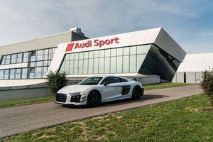 Ảnh chi tiết Audi R8 V10 hiệu suất cao, giới hạn 10 chiếc