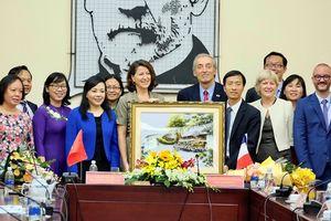 Tăng cường hợp tác y tế giữa Pháp - Việt Nam