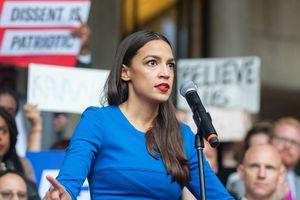 Chân dung nữ ngôi sao mới 29 tuổi của đảng Dân chủ - nghị sĩ trẻ tuổi nhất nước Mỹ