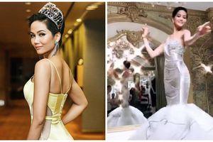 Miss Universe 2018: H'Hen Niê hóa thân thành 'Nàng tiên cá', khoe vòng ba quyến rũ