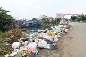 Quảng Ngãi: Ô nhiễm môi trường cảng Sa Kỳ do ùn ứ rác thải