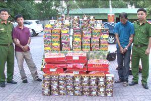 Bắt giữ 2 đối tượng vận chuyển 4 tạ pháo từ Kom Tum về Nghệ An tiêu thụ
