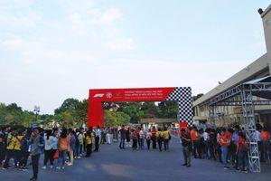 Giới trẻ hào hứng chờ đón sự kiện Hà Nội công bố đăng cai giải đua F1