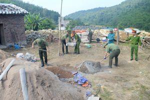 Việc làm ấm áp nghĩa tình của Công an huyện Bình Liêu