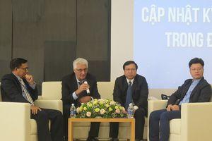 Giáo sư Mỹ chia sẻ với các bác sĩ Việt Nam về phương pháp điều trị ung thư mới