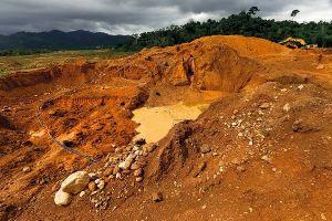 Khai thác khoáng sản trái phép ở Hòa Bình, địa phương có làm ngơ?