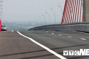 Cầu Bạch Đằng 7.300 tỷ đồng vừa thông xe đã bị lượn sóng: Chủ đầu tư sẽ bù vênh