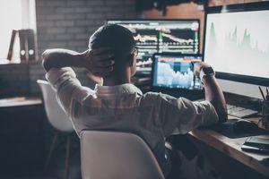 Nhận định thị trường phiên 8/11: Giằng co, phân hóa giữa các nhóm cổ phiếu