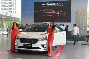 Giá xe Kia tháng 11: Kia Sedona mới tăng giá bán