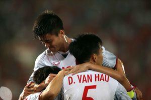 Thắng đậm Lào, Việt Nam khởi đầu mỹ mãn tại AFF Cup 2018