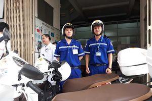 Cấp cứu bệnh nhân ở Sài Gòn bằng xe máy