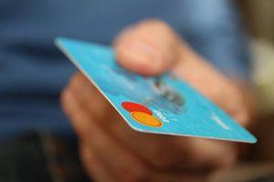 Cần làm gì khi lộ dãy số trên thẻ ngân hàng