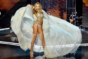 Victoria's Secret Show: 100 đôi giày, cánh thiên thần nặng 12 kg