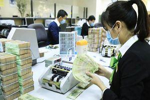 Lãi suất đồng Việt Nam tăng cả trên 2 thị trường