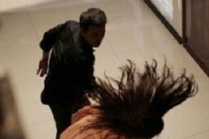Nữ thư ký tòa bị đánh khi gửi giấy triệu tập ly hôn: Cần xử lý nghiêm