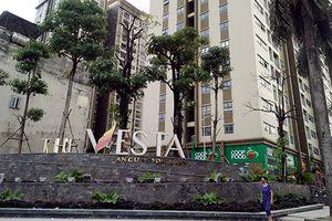 Nước bể phốt tràn chung cư The Vesta: BQL nói người dân xả thải tắc đường ống?