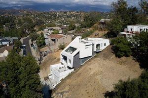 Ngôi nhà ngập nắng nhờ thiết kế gấp khúc cực lạ