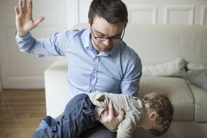Đánh đòn có thể dẫn con bạn đến hành vi tự tử trong tương lai