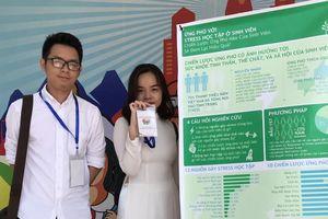 Hai sinh viên Tâm lí học tâm huyết với 'Ứng phó stress học tập'
