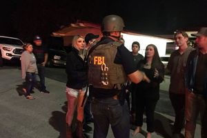 Mỹ: Xả súng kinh hoàng tại quán bar đông đúc