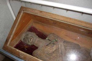 Bí ẩn xác chết 300 năm không phân hủy