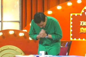 Trấn Thành gây tranh cãi khi cúi đầu xin lỗi khán giả vì 'cười dễ dãi'