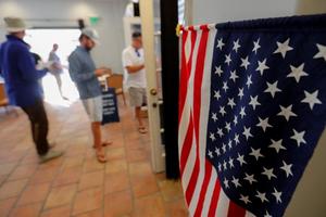 Bầu cử giữa nhiệm kỳ tại Mỹ 2018: Cuộc 'sát hạch' chính trị của Donald Trump