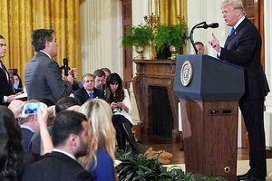 Ông Trump nổi 'cơn tam bành' với phóng viên CNN