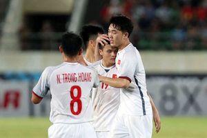 Tuyển Việt Nam giành ngôi đầu bảng AFF Cup