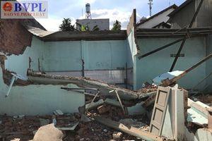 Tháo dỡ nhà, một người bị bức tường đè chết tại chỗ