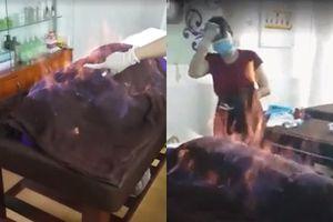 'Hỏa liệu' - Tẩm cồn rồi châm lửa đốt - Phương pháp làm đẹp đang khiến nhiều người sợ hãi vì quá nguy hiểm