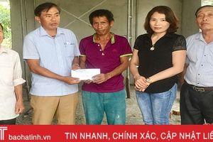 Phường Đậu Liêu trao 50 triệu đồng hỗ trợ hộ nghèo làm nhà