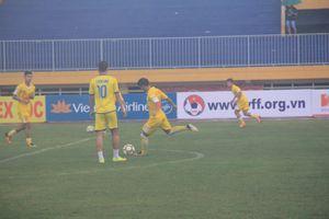 Trực tiếp U.21 Long An 2-4 U.21 SLNA: Mưa bàn thắng trên sân cố đô Huế
