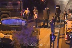 Ít nhất 11 người bị thương trong vụ xả súng điên cuồng tại quán bar