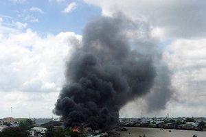Cháy lớn tại khu chợ nổi Cái Răng, người dân hoảng loạn bỏ chạy