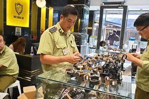 TP.HCM: Truy tìm nguồn gốc hàng trăm đồng hồ 'hàng hiệu'