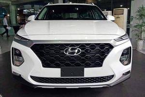 Hyundai SantaFe 2019 bị tố cắt giảm trang bị không phải bản thương mại