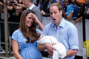 15 khoảnh khắc ngọt ngào nhất của Hoàng tử William khi làm bố