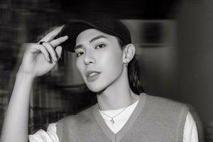 Tạm quên hình tượng 'nam thần Hàn Quốc', ERIK 2018 là phải 'tóc dài kiếm hiệp' siêu ngầu thế này!