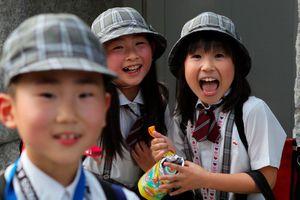 Dạy con kiểu Nhật: Đừng tước đoạt sự tự do của trẻ và 3 bài học dạy con tự lập