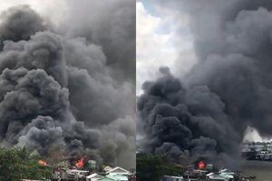 Cháy ngùn ngụt ở chợ nổi Cái Răng