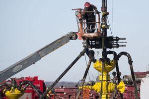 Mỹ vượt cả Saudi Arabia và Nga về sản lượng khai thác dầu