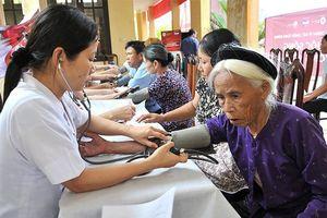 Chăm sóc người già cần có các biện pháp tổng thể