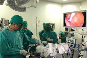 Bệnh viện Sản nhi Quảng Ninh: Lần đầu ứng dụng cánh tay robot trong phẫu thuật nội soi điều trị bệnh lý Sản phụ khoa