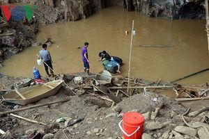 Sập mỏ vàng ở Hòa Bình: Huy động thợ lặn giải cứu 2 nạn nhân