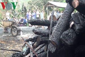Bà hỏa thiêu rụi nhà sàn 5 gian, thiệt hại gần 1 tỷ đồng