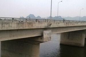 Cô gái nhảy xuống sông Đáy tự tử sau khi đi hát karaoke với bạn